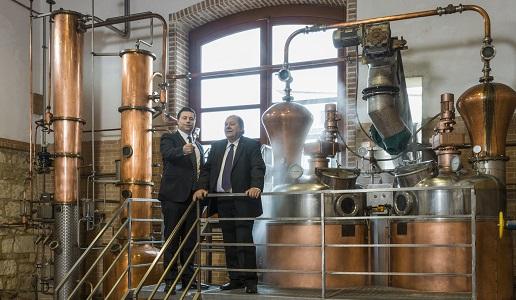 Caffo in distilleria