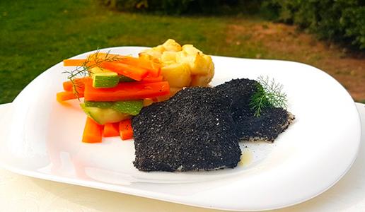 Filetto di salmerino con panure al nero di seppia