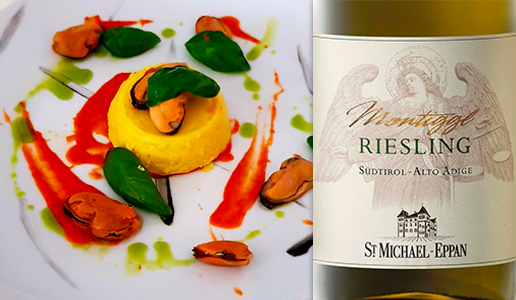 Tortino di patate, zafferano e acciughe abbinato a Alto Adige Riesling Montiggl 2019 San Michele Appiano/St. Michael Eppan