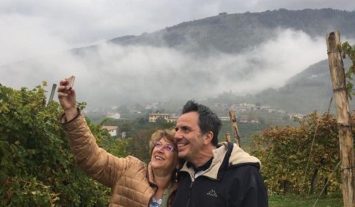 enoturismo colline cartizze - prosecco - selfie tra vigneti