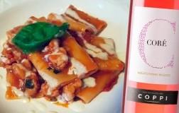 Paccheri con cozze mediterranee e crema di stracchino con Salento Negroamaro Rosato Coré 2020 Coppi Casa Vinicola dal 1882