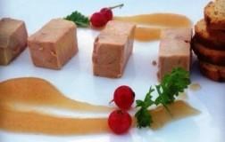 Paté di coniglio con salsa di pere Santa Maria e zenzero