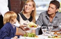 Famiglia al ristorante, locali Family Friendly