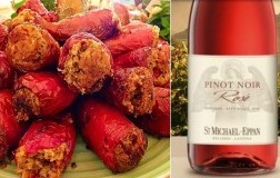 peperoni cornetti ripieni e Alto Adige Pinot Nero Rosé 2018 San Michele Appiano/St.Michael Eppan