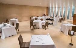 sala ristorante tavoli distanziati