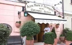 Sora Maria e Arcangelo esterno con Giovanni Milana