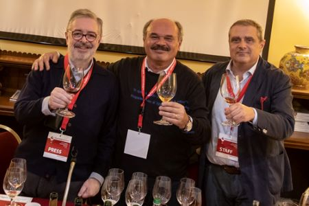 daniele cernilli, oscar farinetti e fabrizio carrera a taormina gourmet 2019